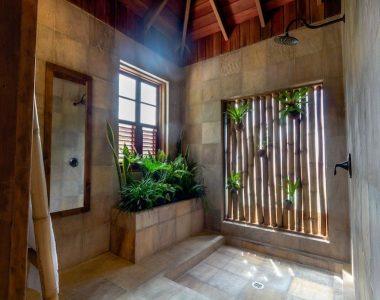 Jungle Bay Villa Bathroom L